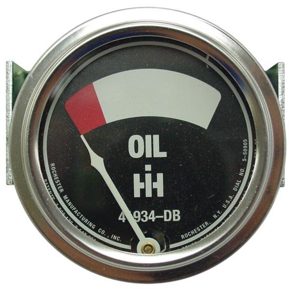 OIL PRESSURE GAUGE W/ STUDS